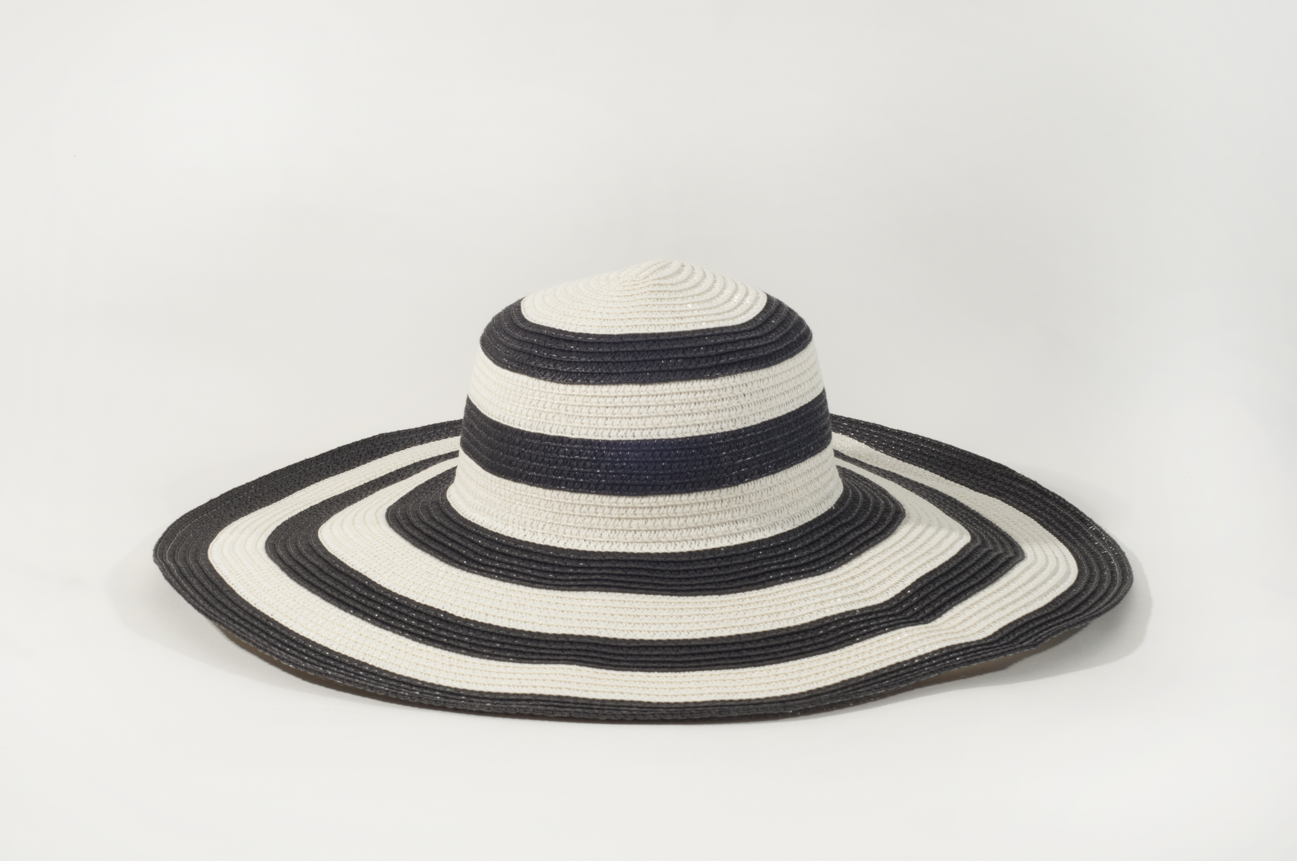 Black and White Large Brim Hat - Bettylicious 18a2b8d8c214